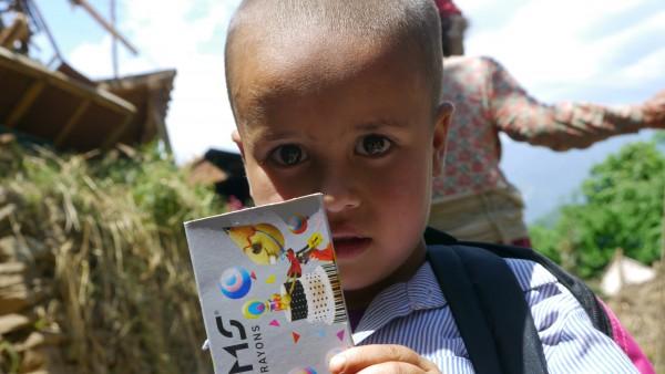 Fournitures scolaires pour un enfant / Prabesh
